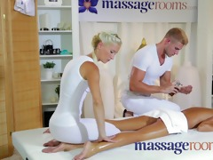 massage rooms petite teen gets double act from