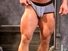 muscled daddy yank davis 2