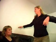 mother and not her daughter - mutter und nicht
